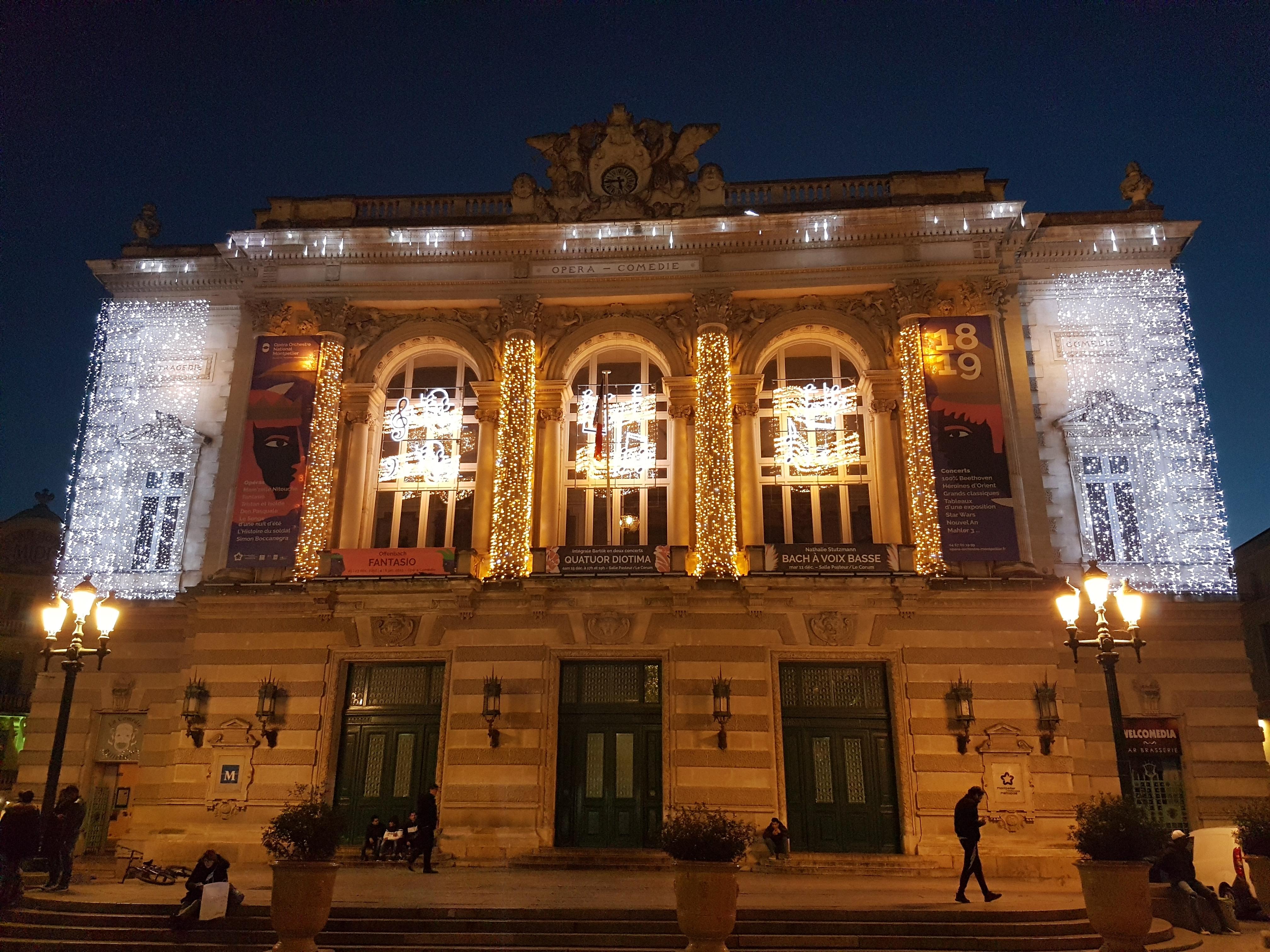 12 noel opera